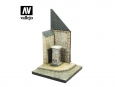 Vallejo Scenics SC004 Street Corner with Waterpump Normandy (15.5x15.5 cm)